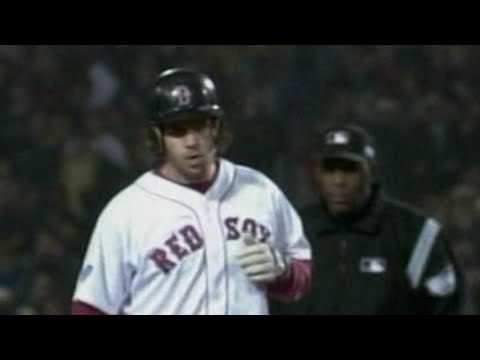 WS2004 Gm2: Red Sox take 4-1 lead on Bellhorn double