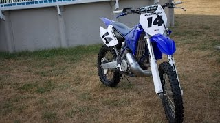How to Put UFO Restyle Plastics On a 2001 Yamaha YZ250   How To Make Old Dirtbike Look New!