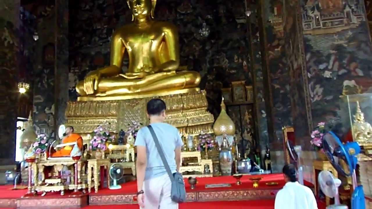 Incredible Wat Suthat temple, Bangkok, Thailand - YouTube