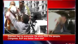 Kejriwal slapped by delhi Auto rickshaw driver