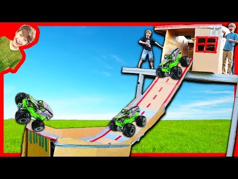 MONSTER TRUCK BOX FORT RAMP on the ROOF!