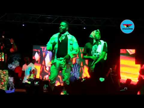 R2bees thrill fans at 'Promise Land' concert