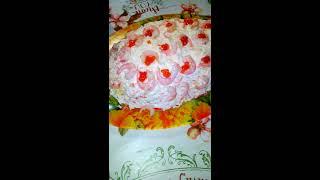 Салат на новый год или рождество с креветками и крабовыми палочками