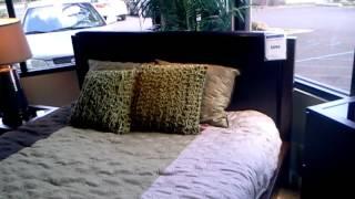 Alyndale Queen Bed