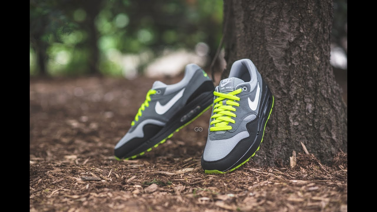 timeless design 77c63 e2306 Review   On-Feet  Nike Air Max 1 iD