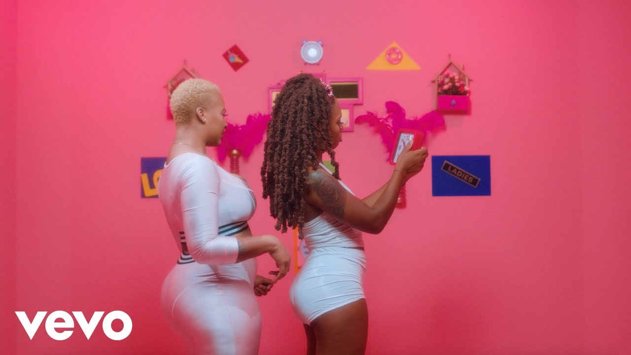 Download Vybz Kartel, Lisa Hyper - Irreplaceable (Official Music Video)