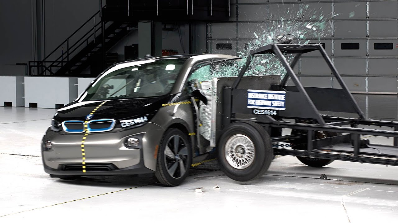 2017 bmw i3 side iihs crash test youtube. Black Bedroom Furniture Sets. Home Design Ideas