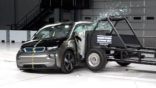 2017 BMW i3 side IIHS crash test