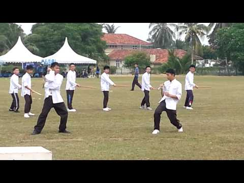 HIgh School Muar Wushu Performance(Hari Sukan)2013 Travel Video
