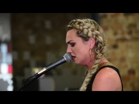 Hollie Smith at The 13th Floor