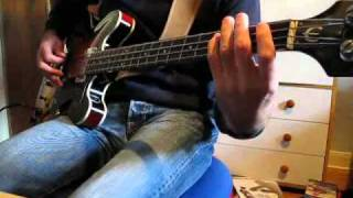 Me playing the simple, but great bass line from Sunday Morning by T...
