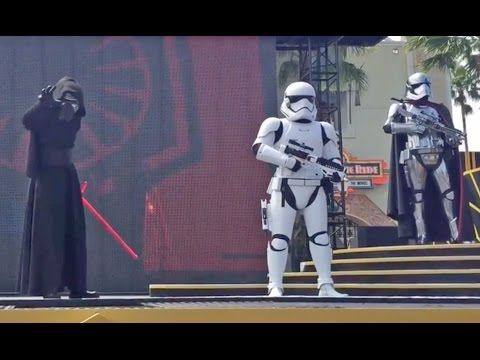 Download Youtube: NEW Kylo Ren, Captain Phasma in Star Wars: The Force Awakens stage show at Walt Disney World