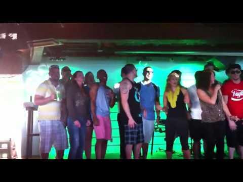 Sr Frog Nassau Bahamas, Don't Stop Believing Karaoke