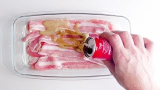 Schütte die Cola auf den Bacon. Das wird ein besonderer Leckerbissen!