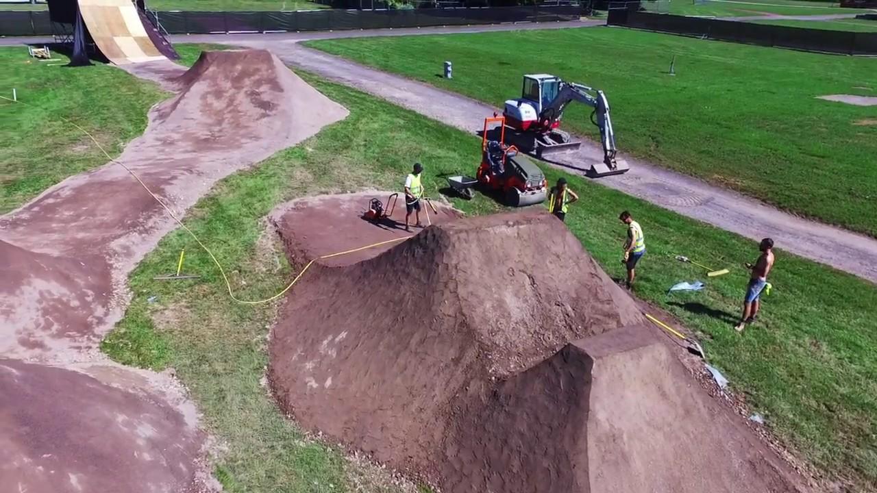 NASS BMX Dirt Jumps Build 2017 - YouTube