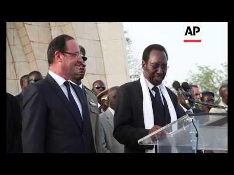 President Francois Hollande arrives at Bamako airport