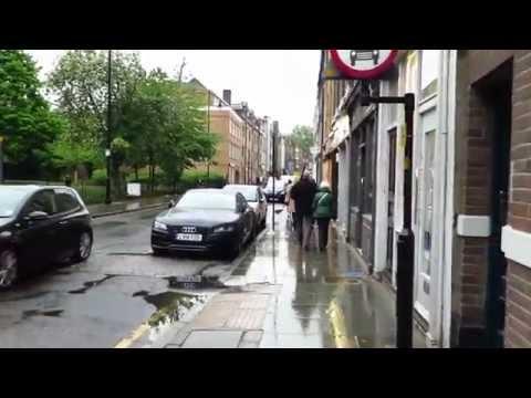 Walking in London after the rain (Southwark)