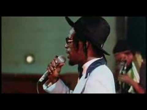 Gregory Isaacs - Slave Master (LIVE)