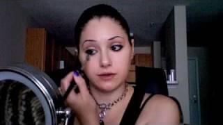 Makeup Tutorial for Large Eyes Thumbnail