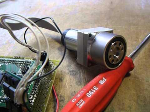 マクソンモータとハーモニックドライブ減速機 Maxon Motor and Harmonic Drive Gears