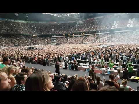 Beyoncé Amsterdam Arena 16.7.2016: Opening (UHD)