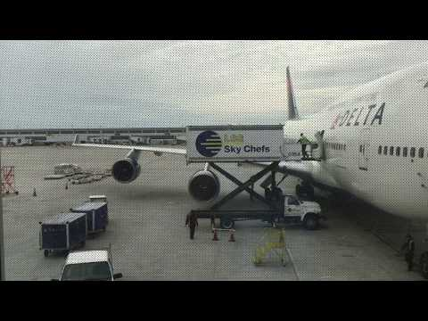 Detroit Metro Airport Tour and Spotting (Delta 747)