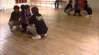 ダンス、正会員になって初めてのレッスンです。 この日、クラスの生徒は、1人ぼっちでした。