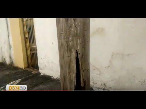Poste desgastado preocupa moradores de uma rua em Pirituba