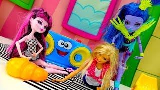 Куклы монстер Хай и куклы Барби: здоровое питание и фитнес. Ютьюб видео и игры для девочек