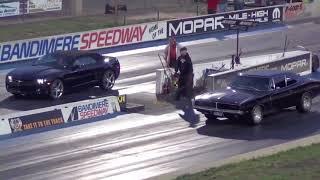 Dodge Charger RT vs Chevrolet Camaro Drag-drag racing