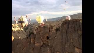 Множество воздушных шаров в небе