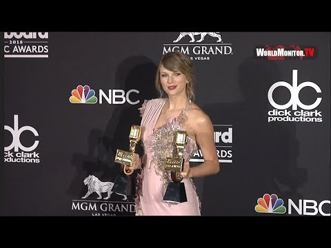 Taylor Swift shows off her Awards Backstage at 2018 Billboard Music Awards