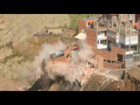 Decenas de viviendas se derrumban en La Paz por un deslizamiento de terreno