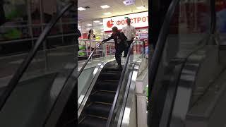 видео Вверх и вниз по лестнице — Upstairs Downstairs (2010-2012) 1,2 сезоны — Смотреть онлайн или скачать бесплатно через торрент — Fantasy-Serials.ru