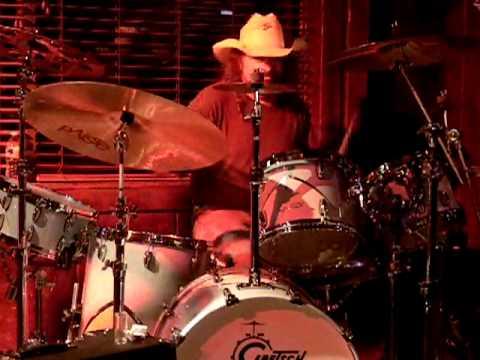 Artimus Pyle on drums