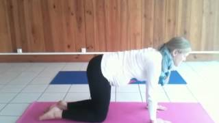 Mini yoga session: Pregnancy yoga for tired legs