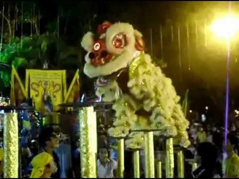 KỶ LỤC GUINNESS VIỆT NAM (HCV - HỘI DIỄN LÂN SƯ RỒNG TP CẦN THƠ 2012.)avi
