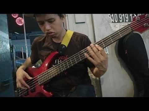 Lagi syantik Live Bass Cover by Mizi Mello