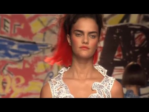 VIVIENNE WESTWOOD Fashion Show Spring Summer Paris 2007 by Fashion Channel