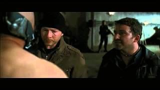 """Bane: """"¿Qué haces aquí?"""" El Caballero Oscuro: La Leyenda Renace. (Castellano)"""