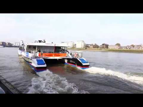 Thames Clipper Water Bus from Greenwich to the O2