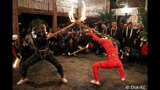 Shujo Onie crazy festival JAPAN - here you will literally BURN! 修正鬼会, 大分県, 豊後高田, 天念寺で伝統的な火祭り