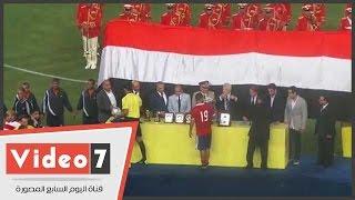 بالفيديو..عبدالله السعيد يحرج مرتضى منصور برفض ارتداء ميدالية المركز الثانى