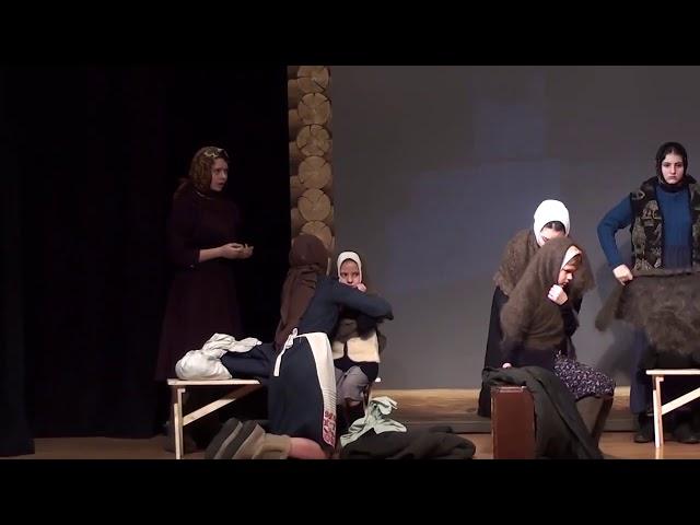 Изображение предпросмотра прочтения – «Школьный театр школы №293 им. А.Т.Твардовского (2)» читают произведение «Поэма Дом у дороги» А.Т.Твардовского
