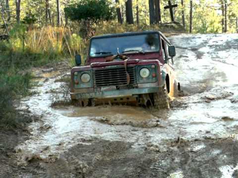 Land rover 4x4 franchissement fausse de boue download for 4x4 dans la boue