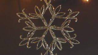 Frozen Flower e Estrela feitos com tubos de papel