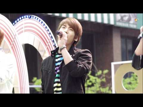 110506 Fairy Jonghyun Singing in the Drizzling Rain @ Children's Day Special