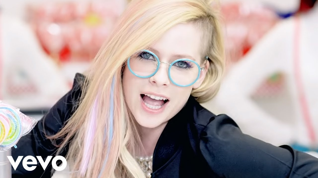 Avril Lavigne - Hello Kitty #1