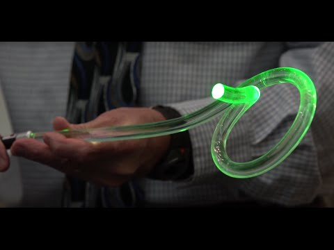 Total Internal Reflection Demo: Optical Fibers