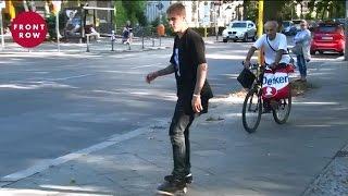 ジャスティン・ビーバーがドイツの街中でスケボーを披露!その腕前は? Justin Bieber Shows His Skateboarding Skills